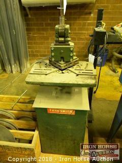 Tennsmith Radius Corner Notcher on Stand