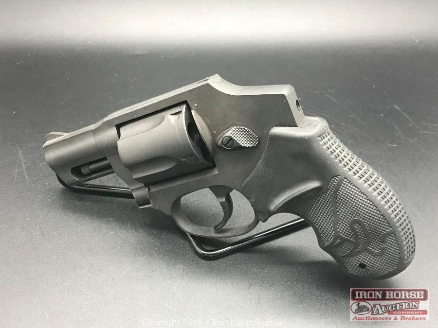 Iron Horse Auction - Auction: Firearms Store Closing Auction Day 1