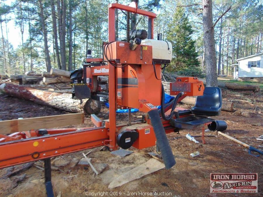 Iron Horse Auction - Auction: John Deere 5045D Tractor
