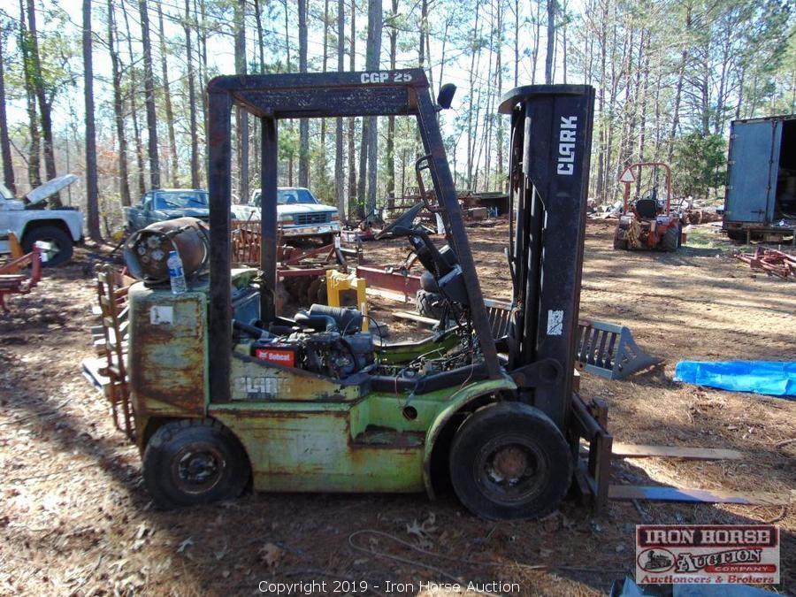 Iron Horse Auction Auction John Deere 5045D Tractor