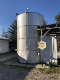 5400 Gallons of Corn Syrup and Storage Tank  -  Corn Syrup maintained at 130 degrees, Tank is heated w/ quantity gauges, pump;  Buyer Must Move Corn Syrup and Tank
