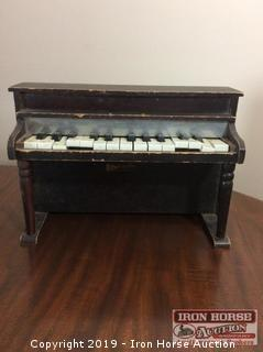 Vintage Ely Mello-tone Child's Piano