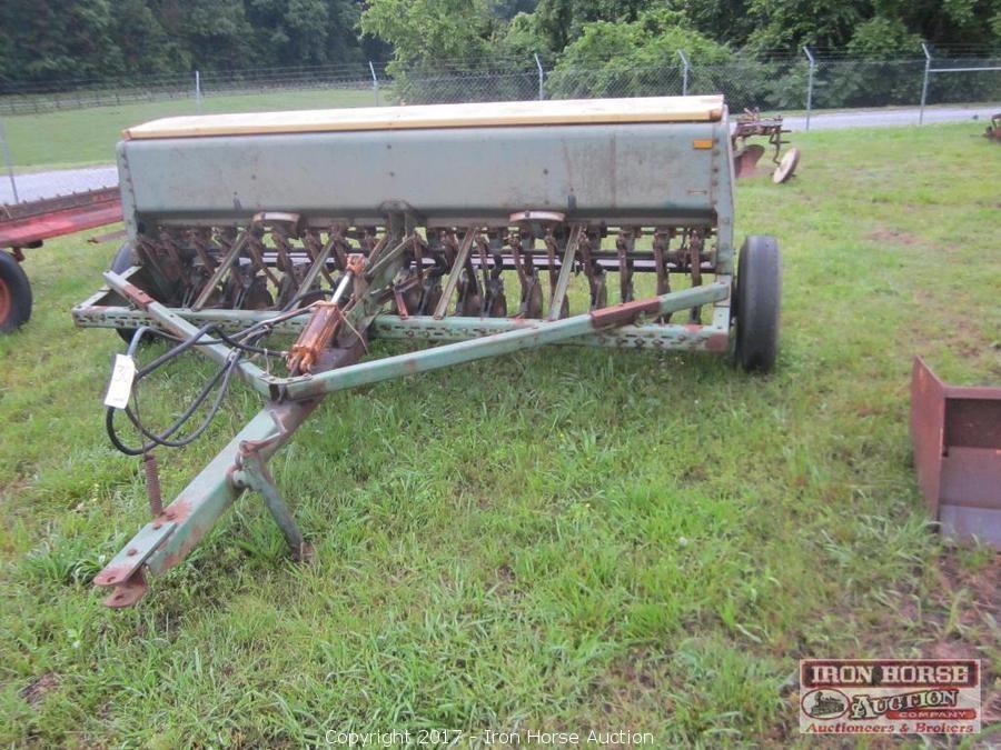 Iron Horse Auction Auction Construction Farm And Shop