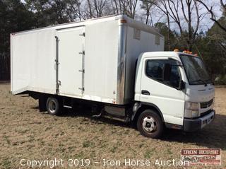2012 Mitsubishi Fuso FE52S Box Truck