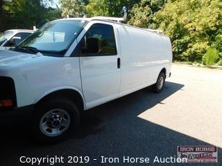 2013 GMC Savana StabiliTrak Van
