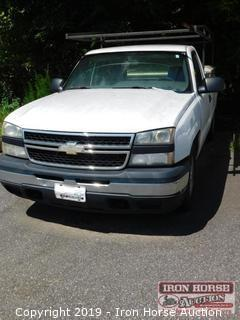 2007 Chevrolet Regular Cab 1/2 Ton Pick Up