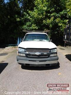 2003 Chevrolet Silverado 1/2 Ton Regular Cab Pick Up