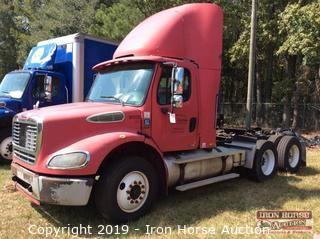 2006 Freightliner Business Class M2 Day Cab Road Tractor