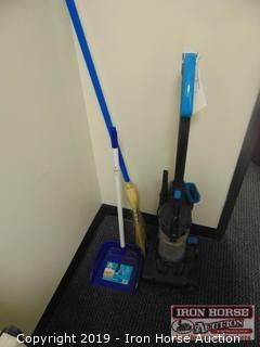 Bissell Powerforce Vacuum with Broom and Dust Pan