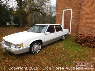 1990 Cadillac Fleetwood 4 Dr. Sedan