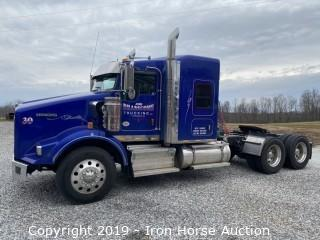 2019 Kenworth T800 Road Tractor w/ Sleeper Cab