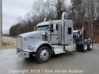 2017 Kenworth T800 Road Tractor w/ Sleeper Cab