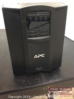 APC Smart-UPS 1000 Power Supply