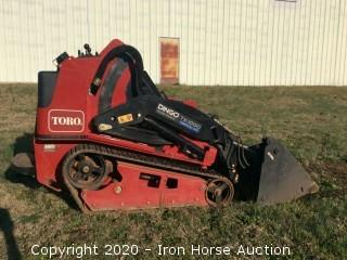 Toro Dingo TX-1000 Wide Track Vertical Lift with CID Extreme 4in1 Bucket