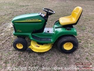John Deere LT 160 Lawn Mower