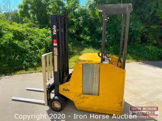 Yale 2500LB Capacity Electric Forklift