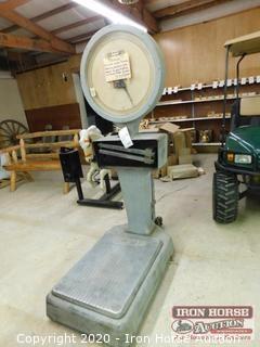 Howe Platform Scales  -  Mod:  5701, Serial:  1543503