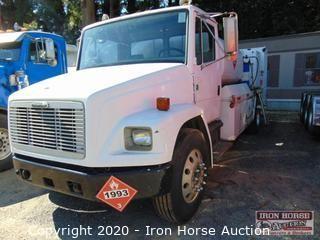 1993 Freightliner Single Axle w/Fuel-Lube Body