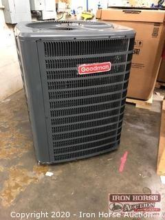 New In Box 2.5 Ton Goodman Air Condtioner Condenser