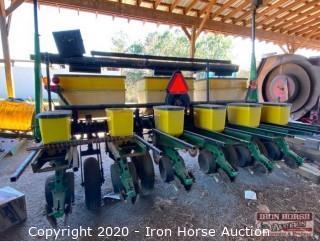 John Deere 1750 6 Row Planter