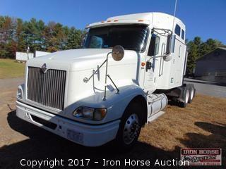2007 International Model 9400i With Sleeper Road Tractor, Cummings Model ISX 435ST Engine, 10 Speed Fuller Transmission, 935,589 Miles Showing Twin 159 Gal Fuel Tanks, Air Ride, Sliding 5th Wheel, 22.5 Steele Buds Rear, Alumn Front ViN# 2HSCNAPR57C357631